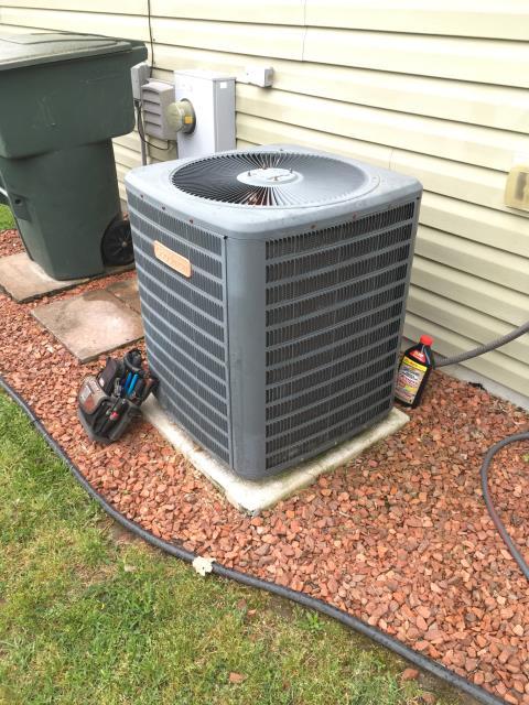 Greenville, NC - Performed preventative maintenance on Goodman split system