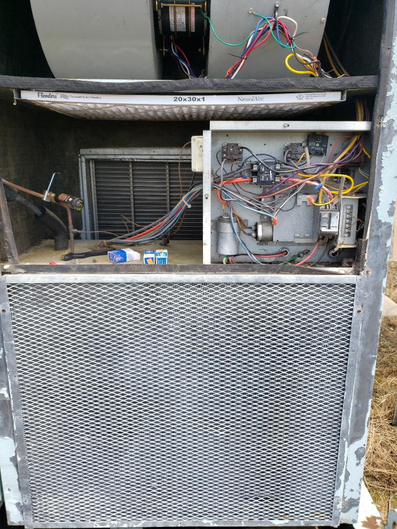 Fairland, OK - Ac repair on a commercial building
