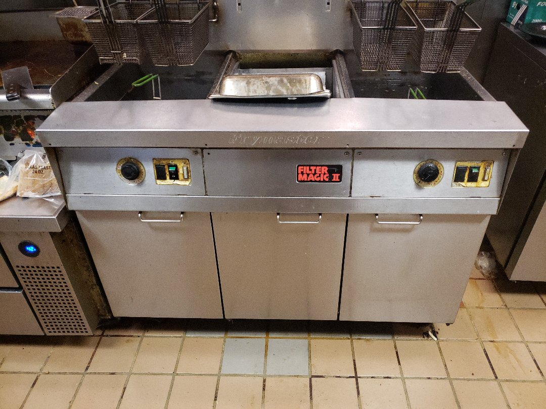 Grove, OK - Commercial  restaurant appliances repair.  Adjusted filter pump activation controls on a commercial fryer.
