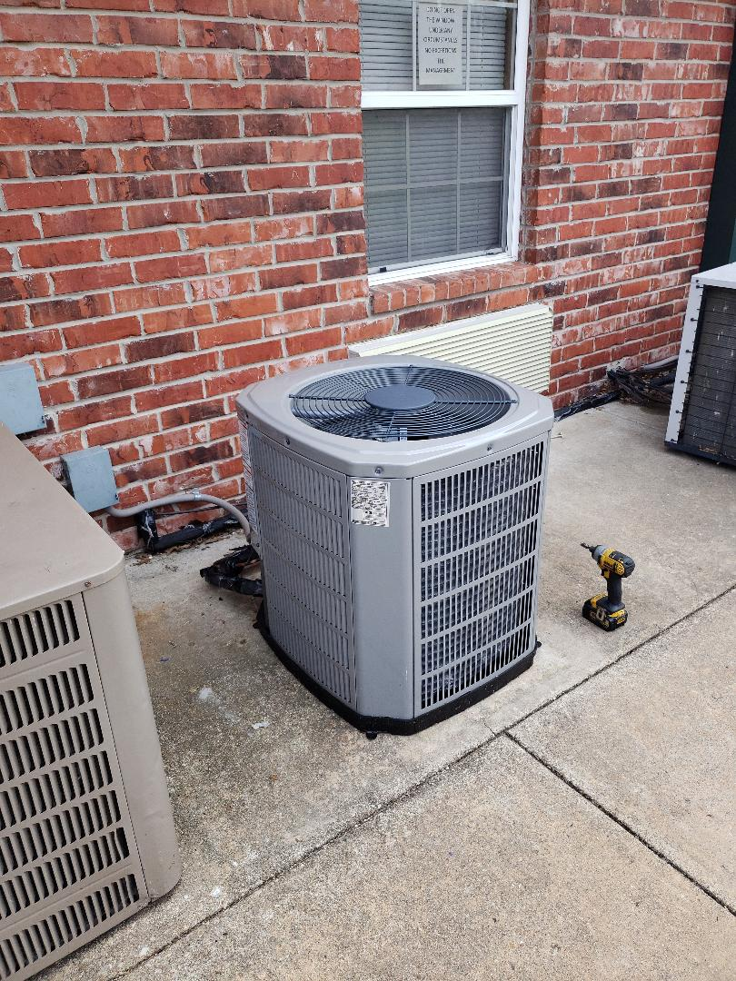 Grove, OK - Air conditioning roadie in Grove Ok.  Road sn old Armstrong Air condenser with new American Standard condenser and txv.