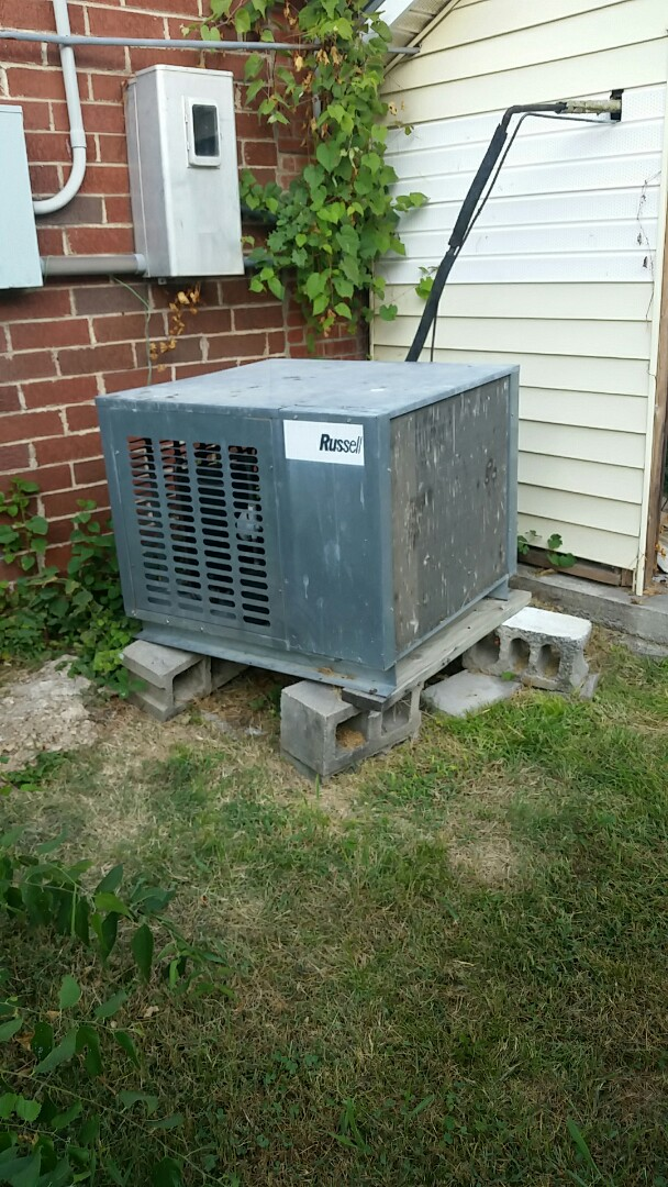 Seneca, MO - Walk in cooler service call. Repaired electrical circuit on compressor
