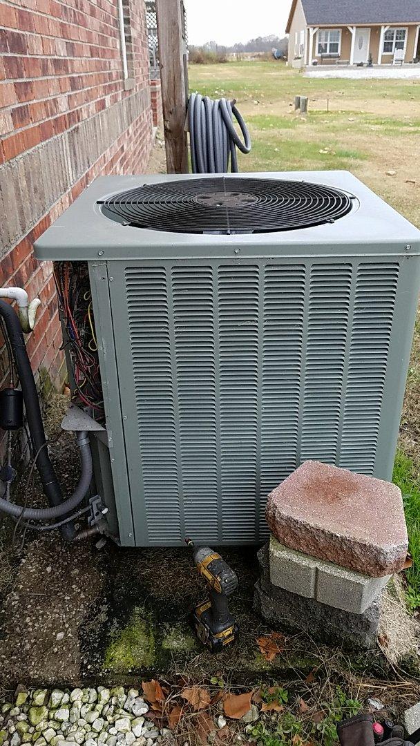 Miami, OK - Heat pump repair.  Repair electrical short in Rheem heat pump.