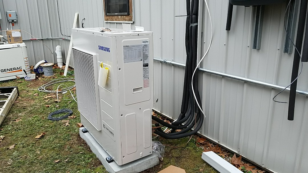 Neosho, MO -  Install ductless heat pump. Install Samsung ductless mini split heat pump with 4 heads near Racine, Mo.