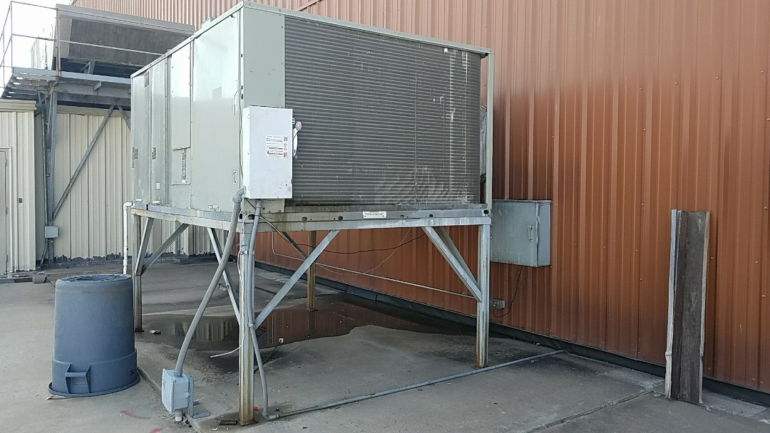 Miami, OK - Air condition repair. Leak repair on a 20-ton Trane unit in Miami Oklahoma