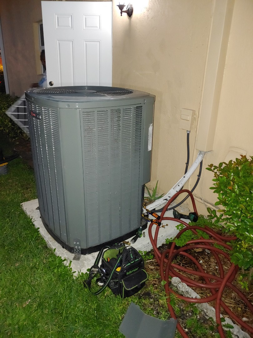 Lauderdale Lakes, FL - Service call in Lauderdale Lakes in Sunday on Trane Unit complete preventive Maintenance and fix the water problem Another happy customer