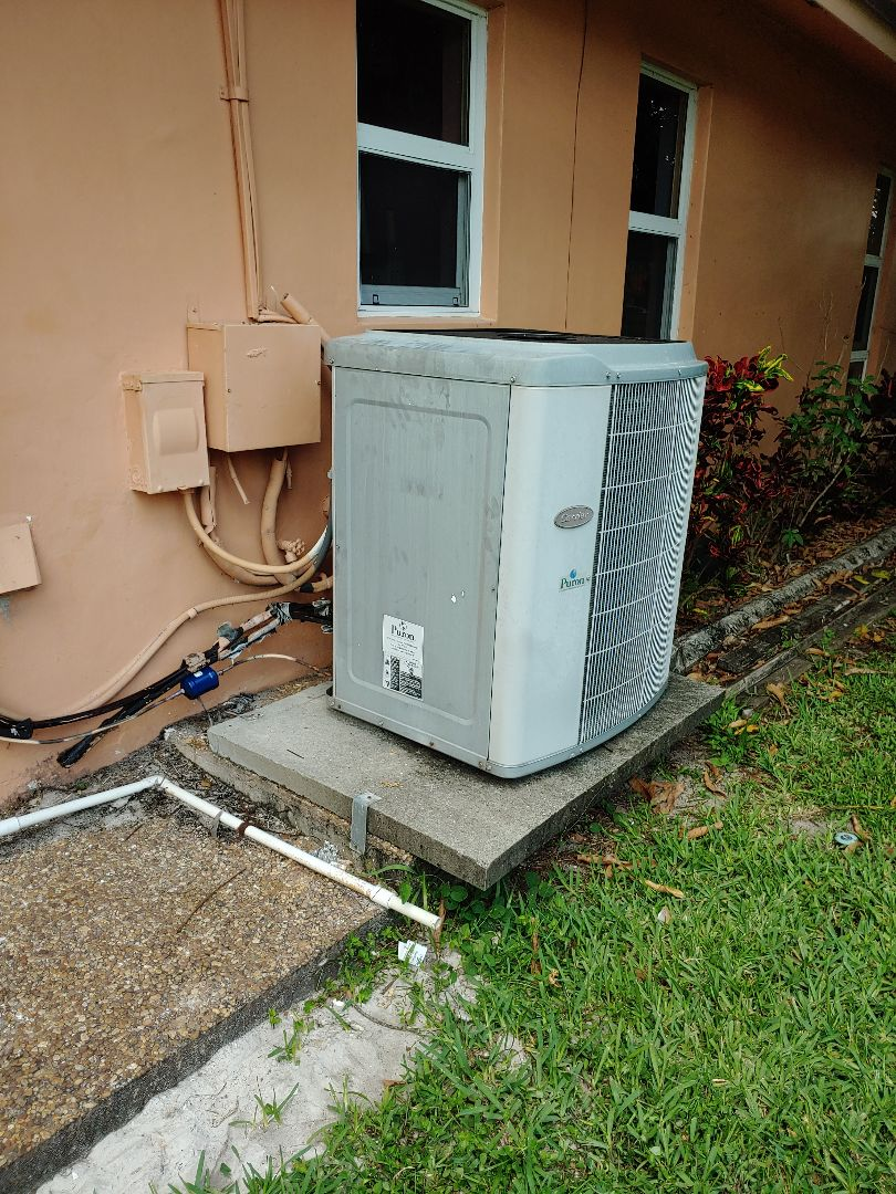 Coral Springs, FL - No cool in family in coral Springs fixed leaking liquid line drier and unit is up and running another happy customer Saturday afternoon on Carrier Unit