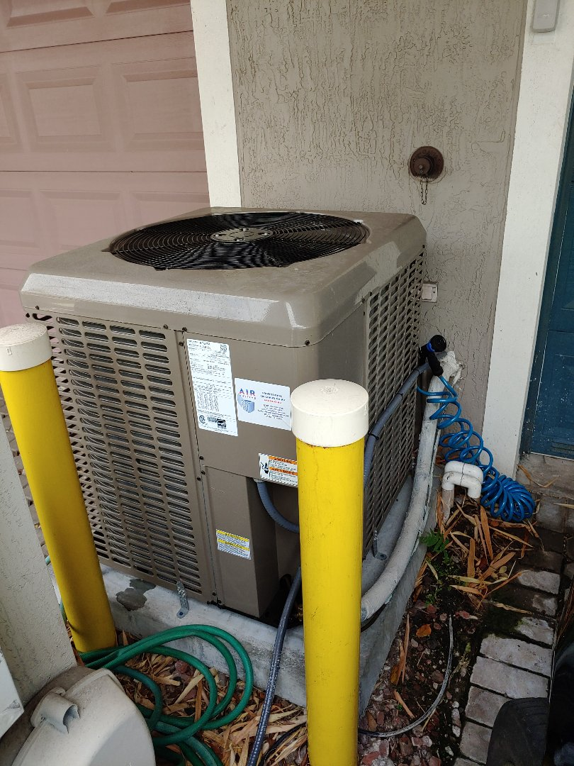 Wilton Manors, FL - No Problem on Family in Wilton Manors on York Unit Sunday afternoon, Drain Issue Fixed and got unit up and running another happy customer