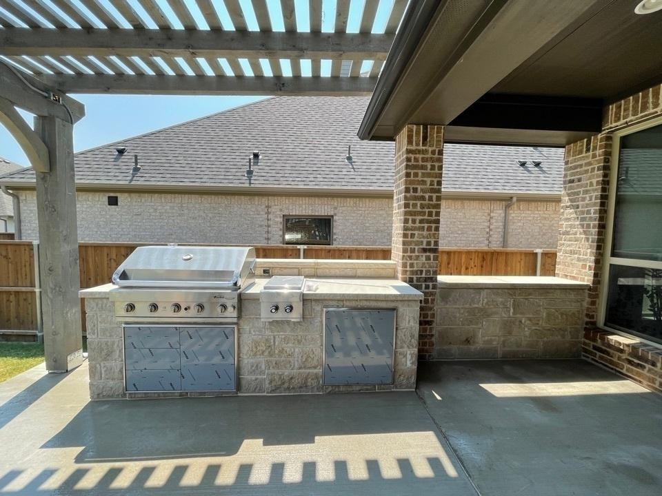 Plano, TX - Outdoor Kitchen, Pergola and Patio in Plano, TX.
