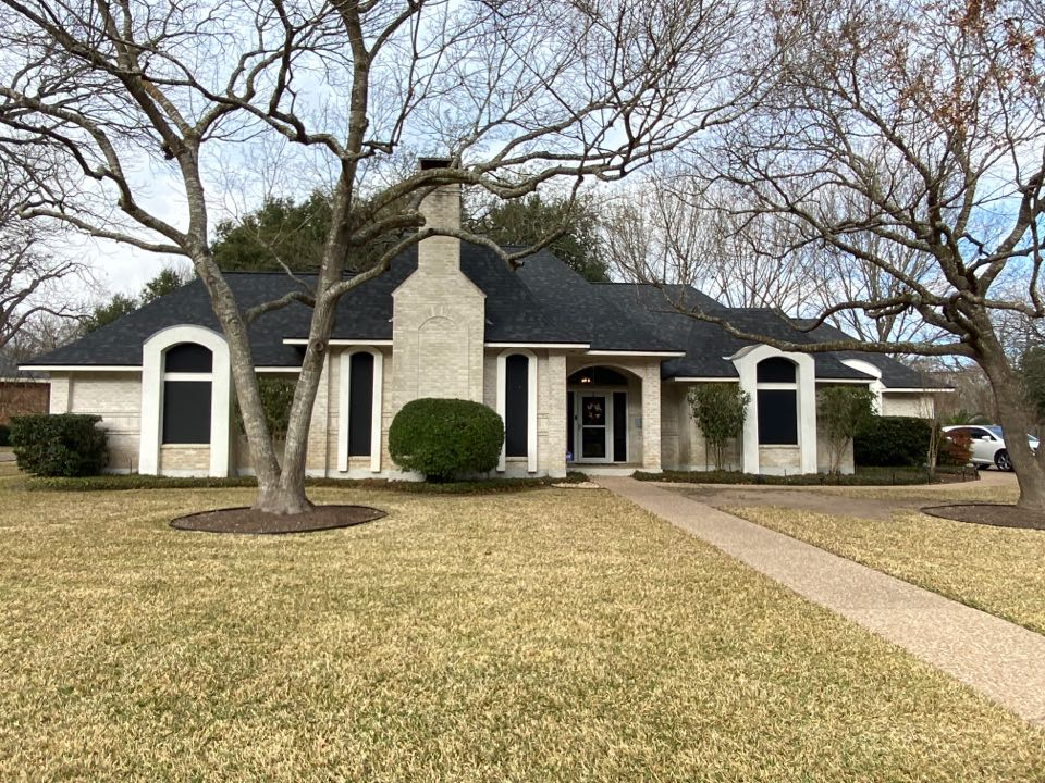 Round Rock, TX - Roof completed through insurance in Round Rock!