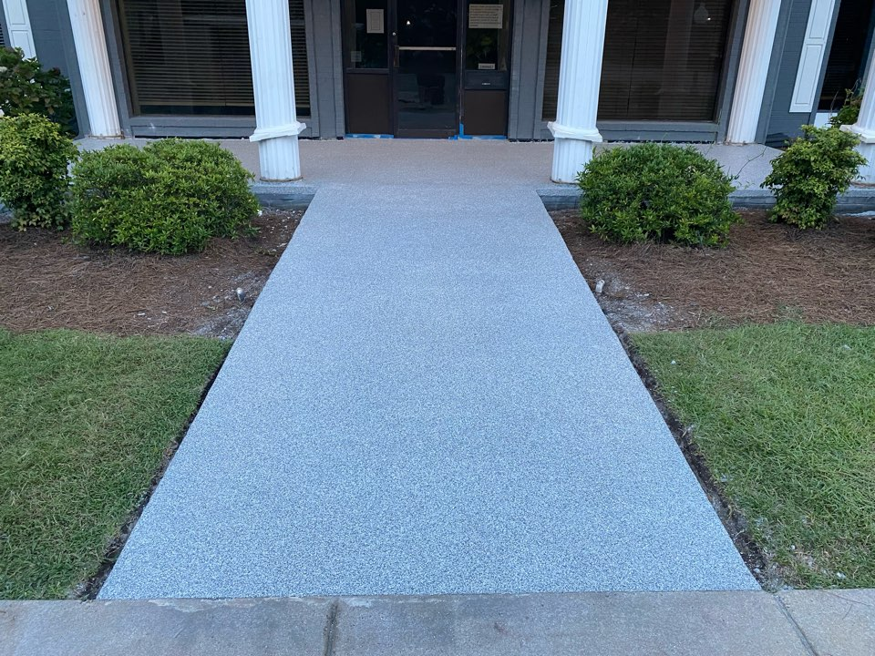 Tifton, GA - We used our Graniflex system to finish the entrance to this business! We used 1/8 inch Gravel flakes. Near Tifton Georgia.