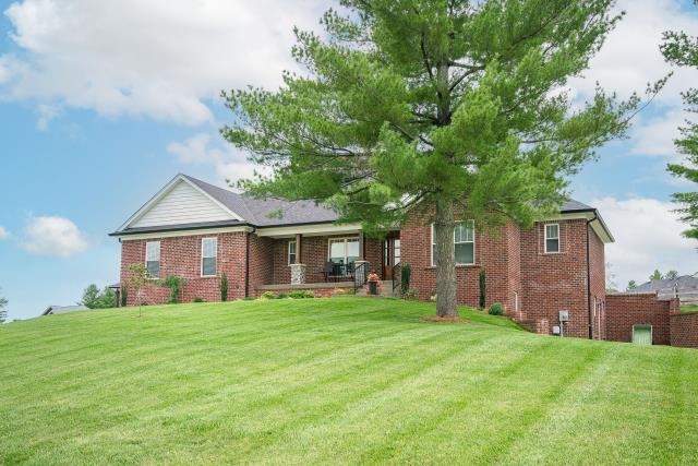 , KY - Beautiful new and spacious build in Taylorsville.