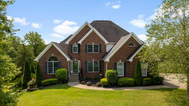 Crestwood, KY - Beautiful home located in Crestwood, Kentucky.