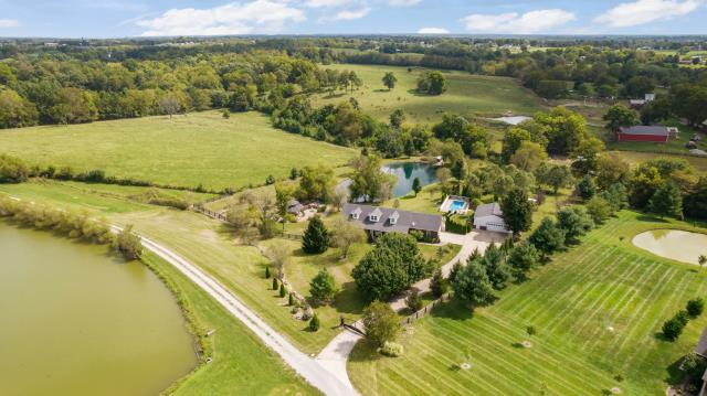 Taylorsville, KY - This home is its own private retreat. Located in Taylorsville, Kentucky on 5 acres of land.