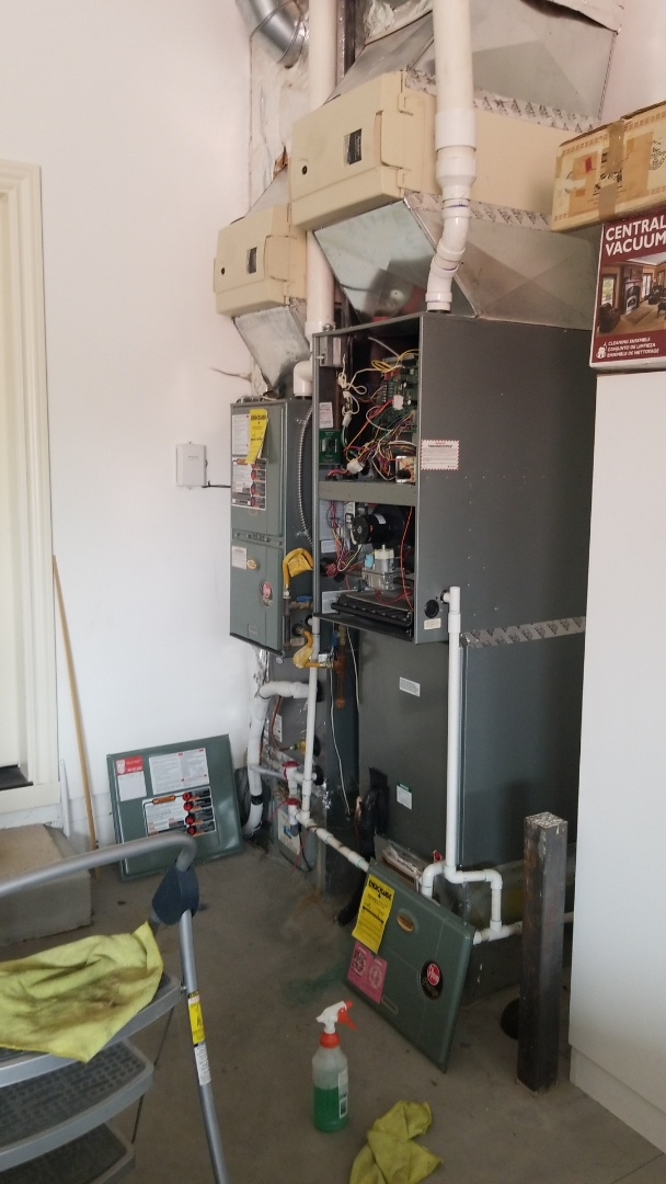Battle Ground, WA - Tune up of two natural gas furnaces and a heat pump.