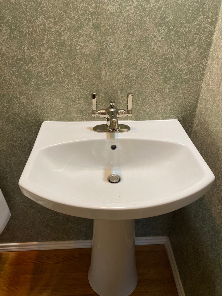 Tigard, OR - Tigard. New pedestal sink install.
