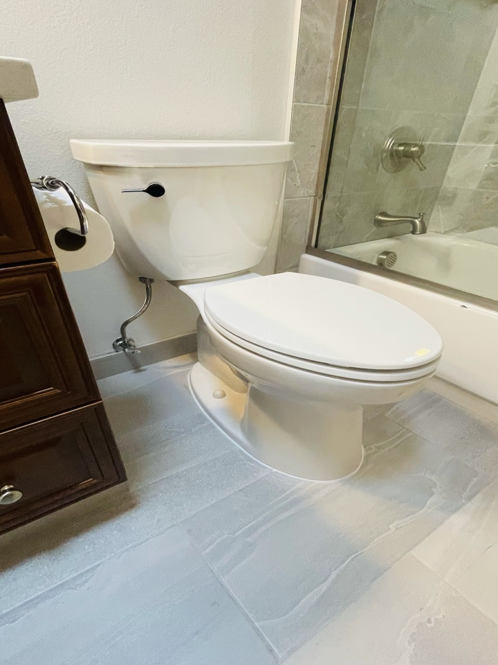 Boring, OR - Install toilet