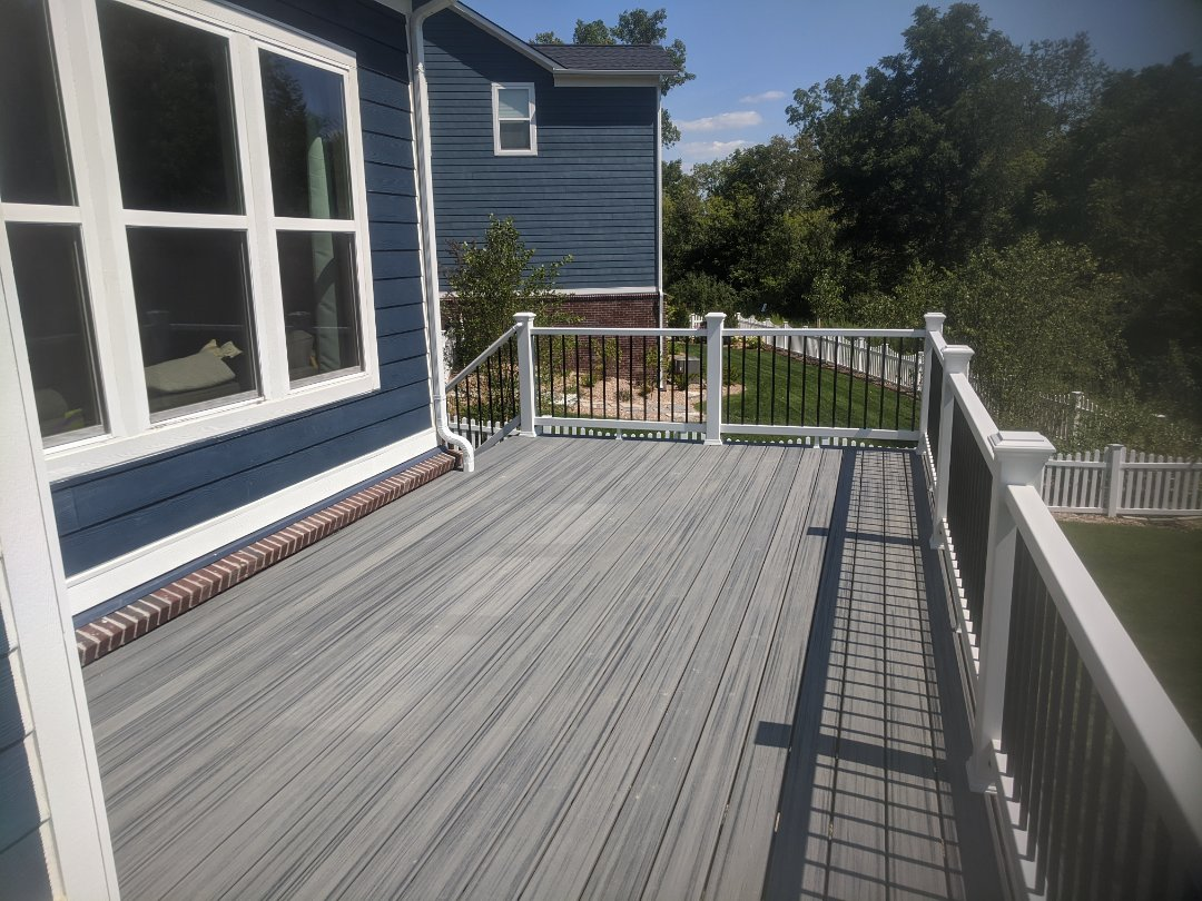 Canton, MI - 300 sq.walkout deck able to use the upper and lower of the house