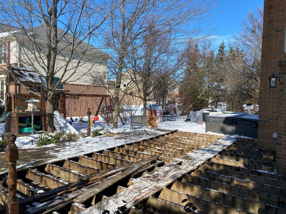 Canton, MI - Demolition underway, preparing for another Trex deck!