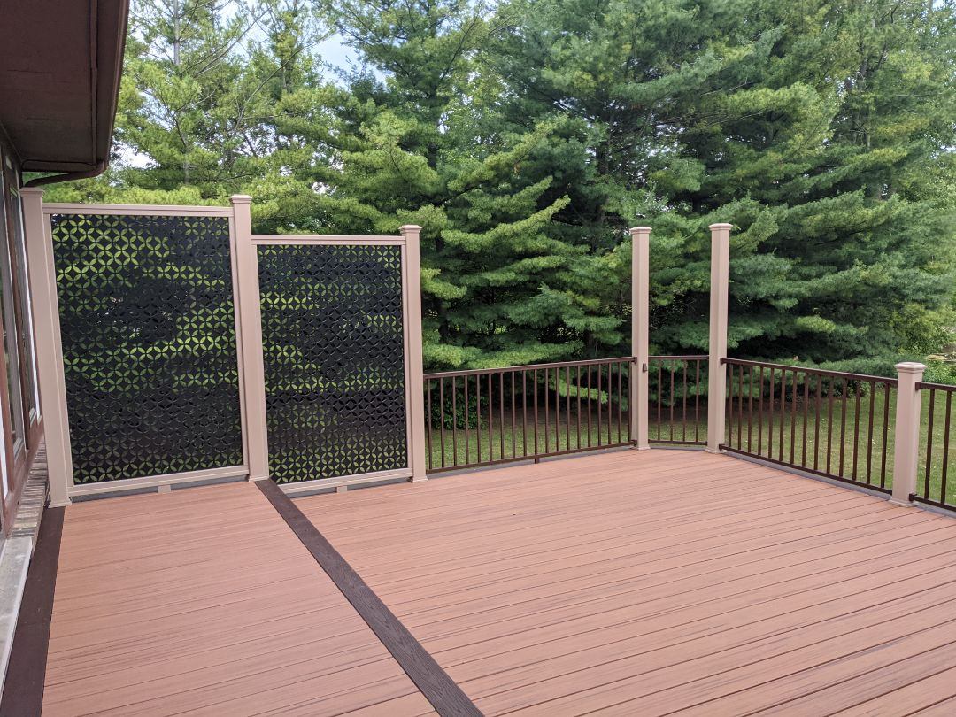 Plymouth, MI - Beautiful deck in Canton with  new privacy rail  and bronze rail