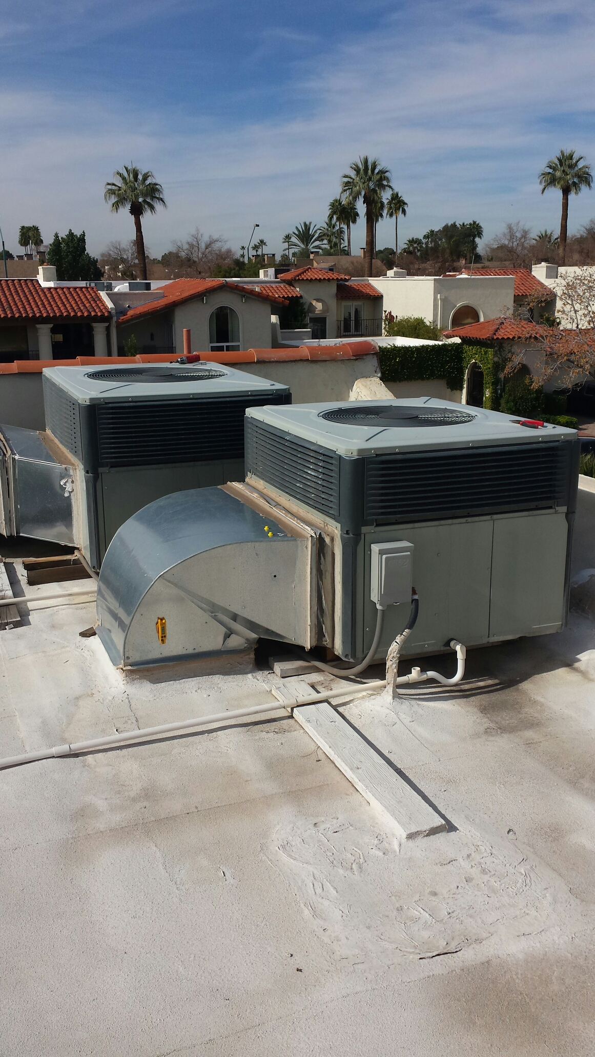 Phoenix, AZ - Performing heat pump maintenance. A/C and Heating both working well. Defrost cycle good!