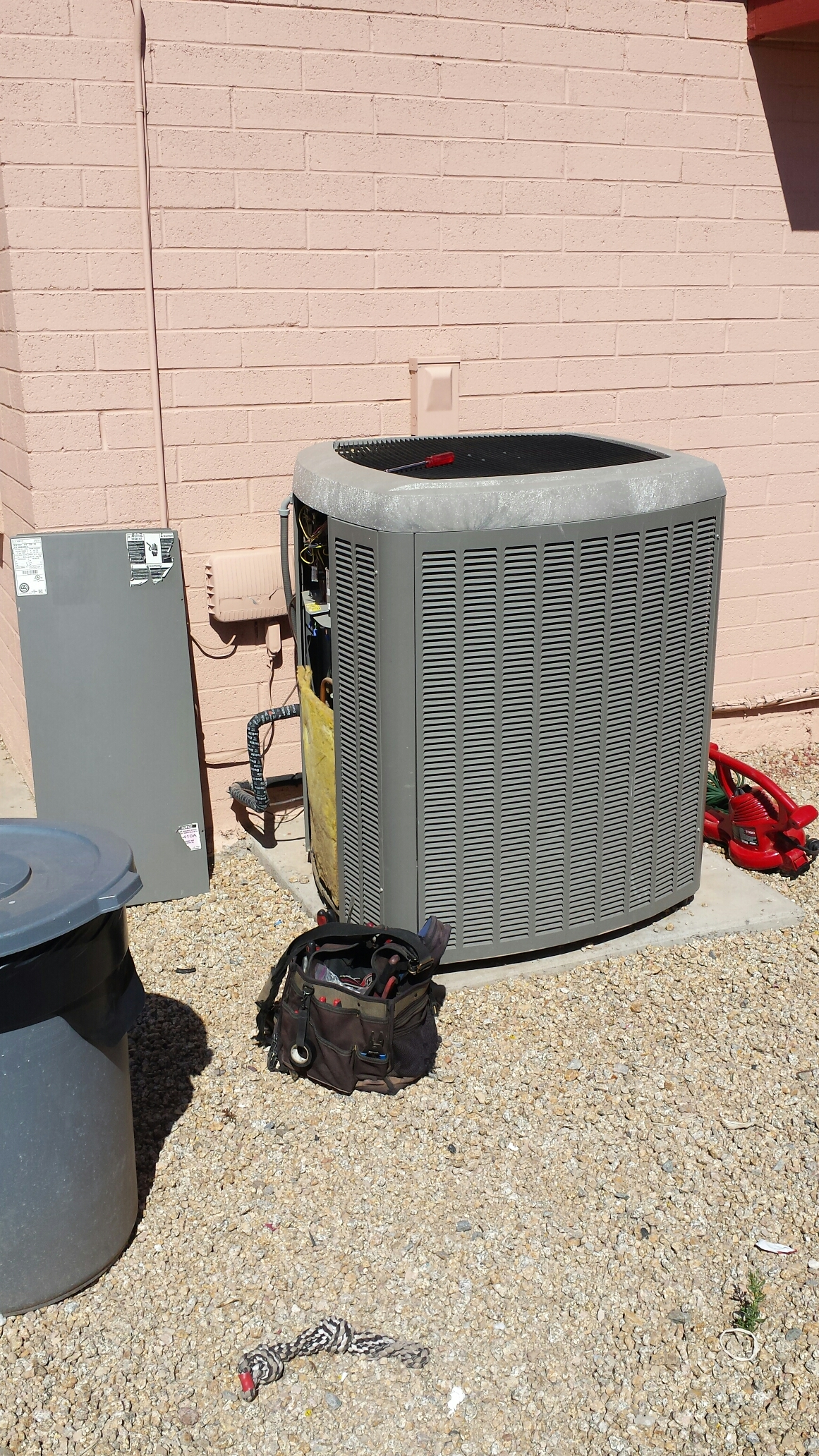 Phoenix, AZ - Spring Maintenance on this Lennox Air Conditioner. You'll Lika...Hobaica!