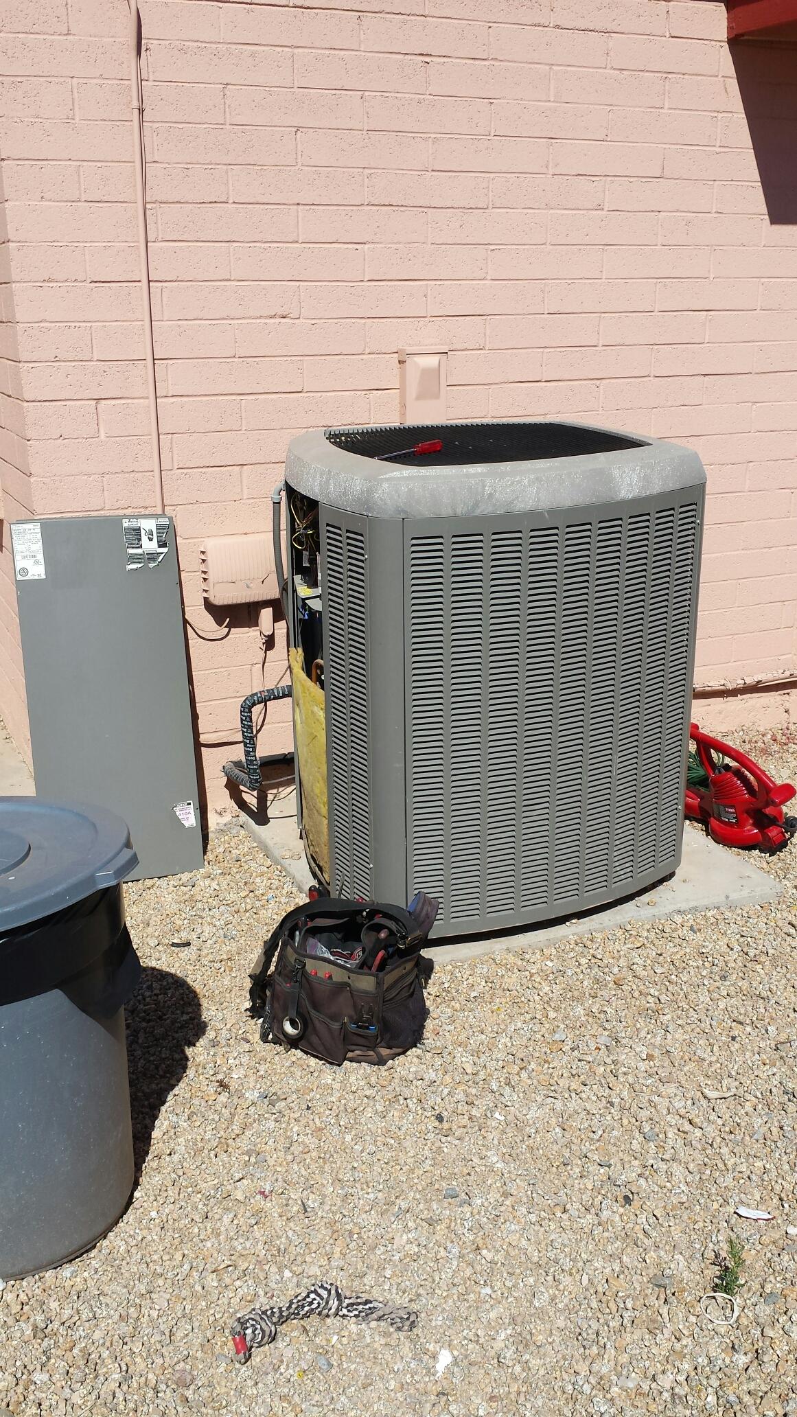 Phoenix, AZ - Spring Maintenance on this Lennox Air Conditioner. You'll Lika...Hobaica!