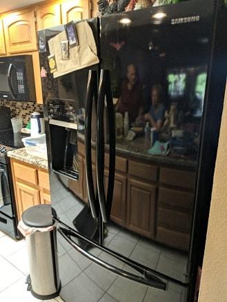 Mesa, AZ - Samsung refrigerator not making ice. Mesa Arizona