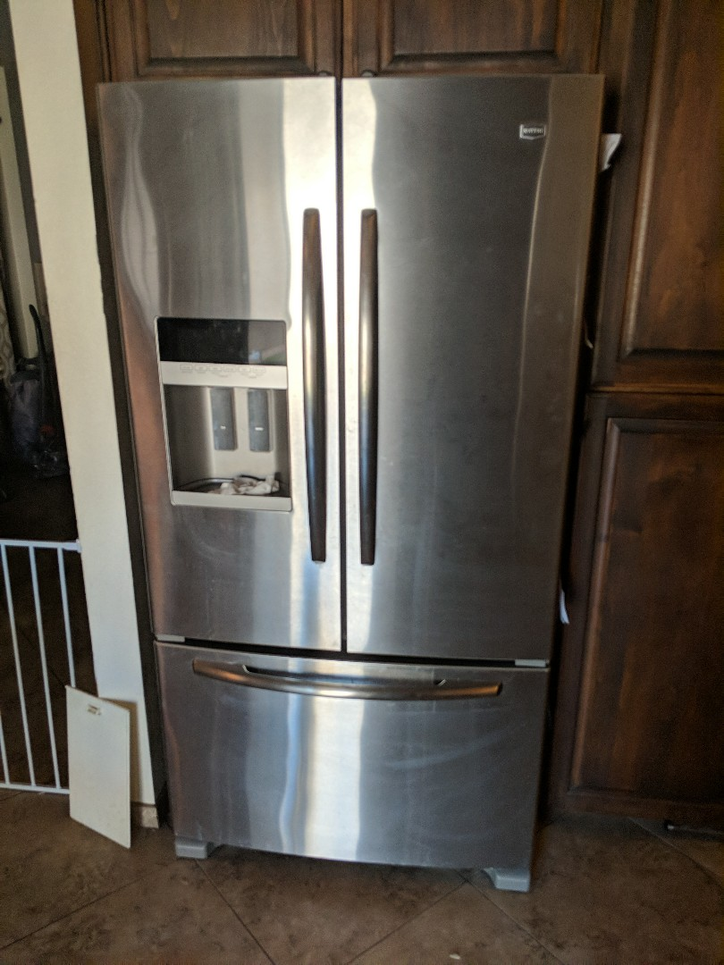 Chandler, AZ - Maytag French door refrigerator is leaking water and not making ice.