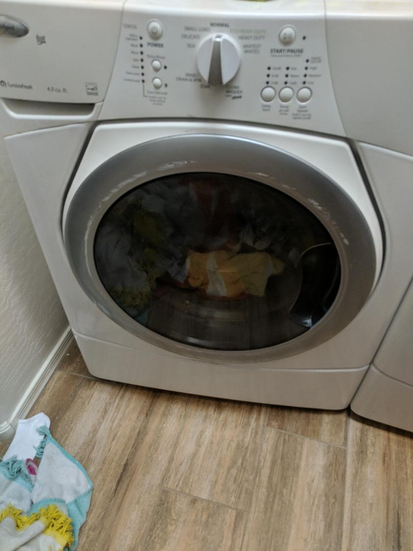 Gilbert, AZ - Whirpool washer leaking water