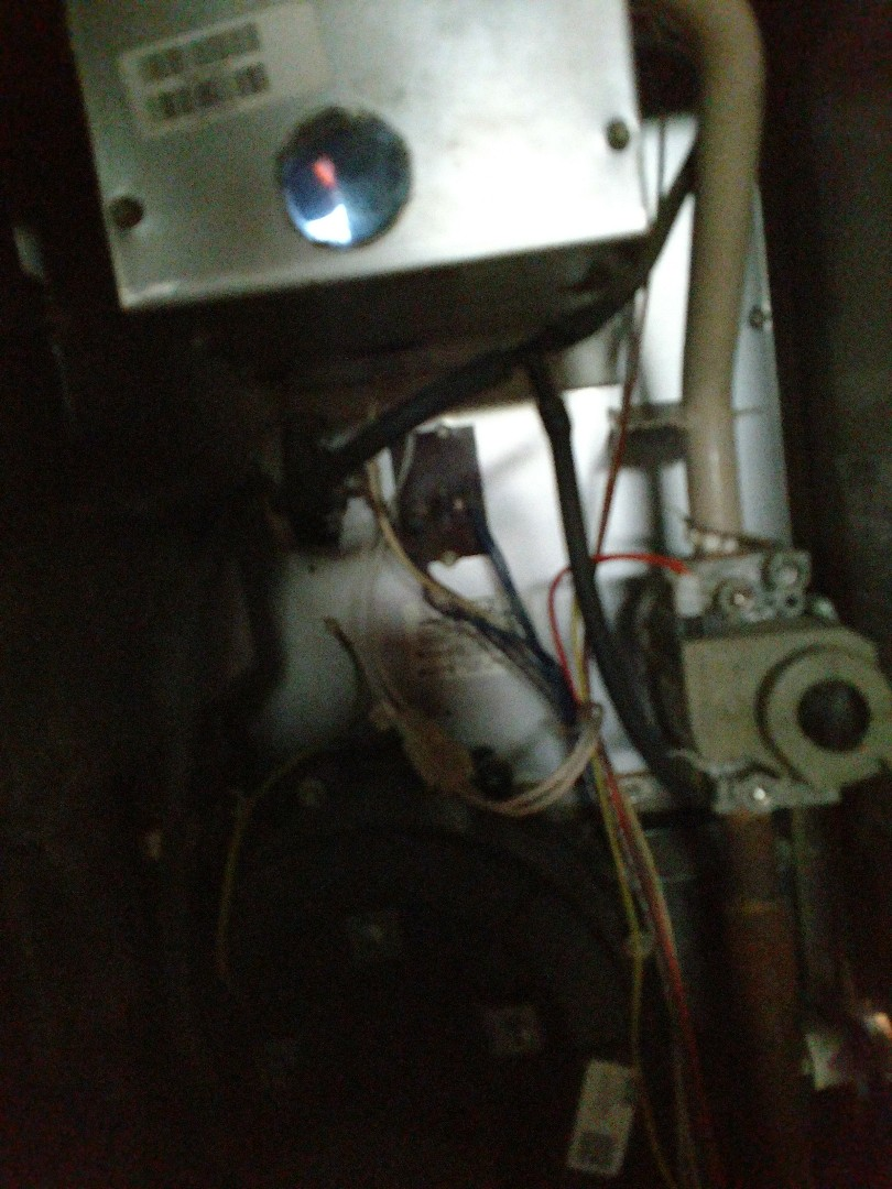 Kenosha, WI - Performed tune up on Lennox high efficiency furnace