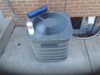 Milwaukee, WI - AC maintenance on Goodman.