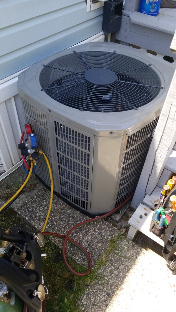 Milwaukee, WI - Installing new American Standard Air conditioner