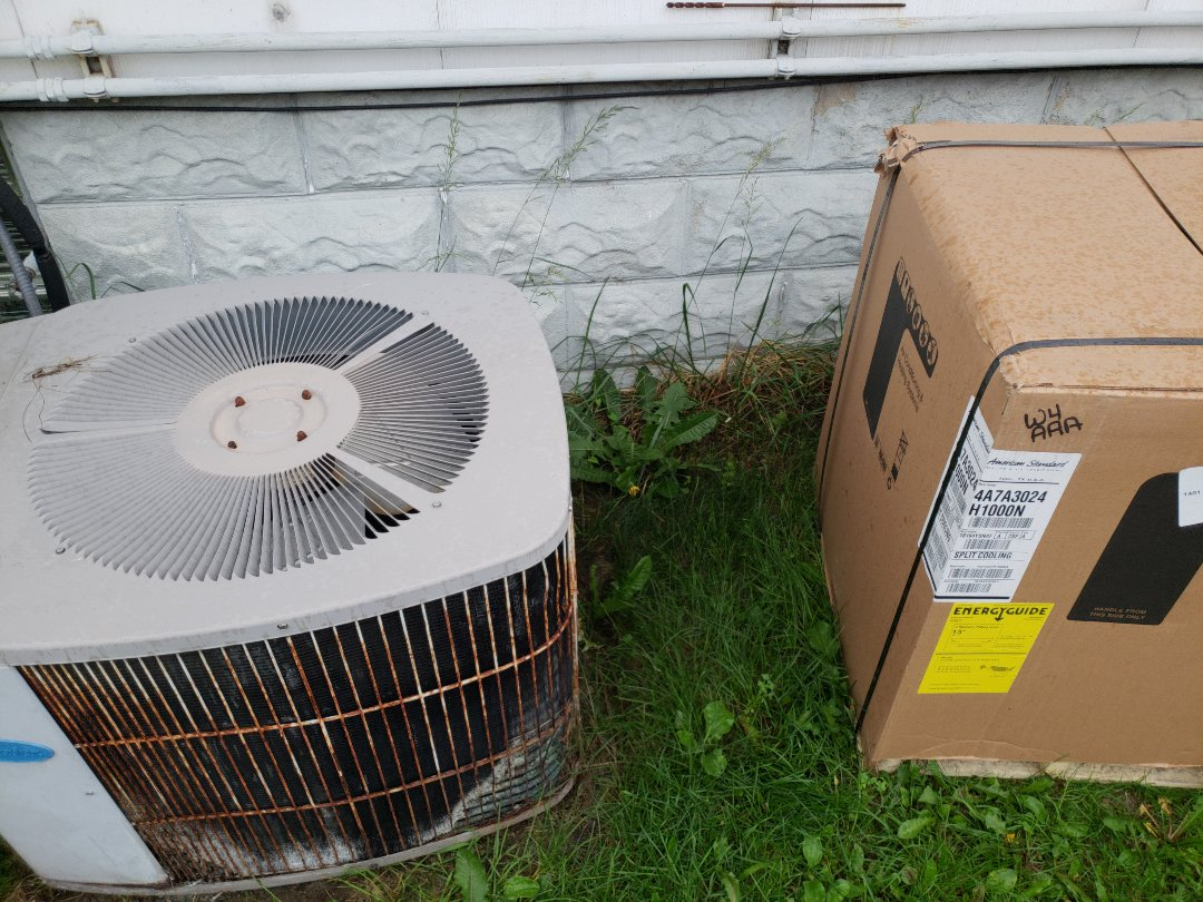 Milwaukee, WI - Ac replacement on Carrier Air Conditioner