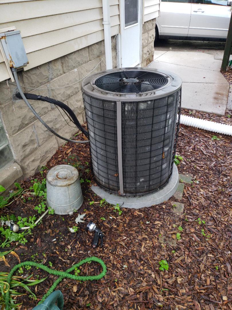 West Allis, WI - Ac estimate Bryant air conditioner