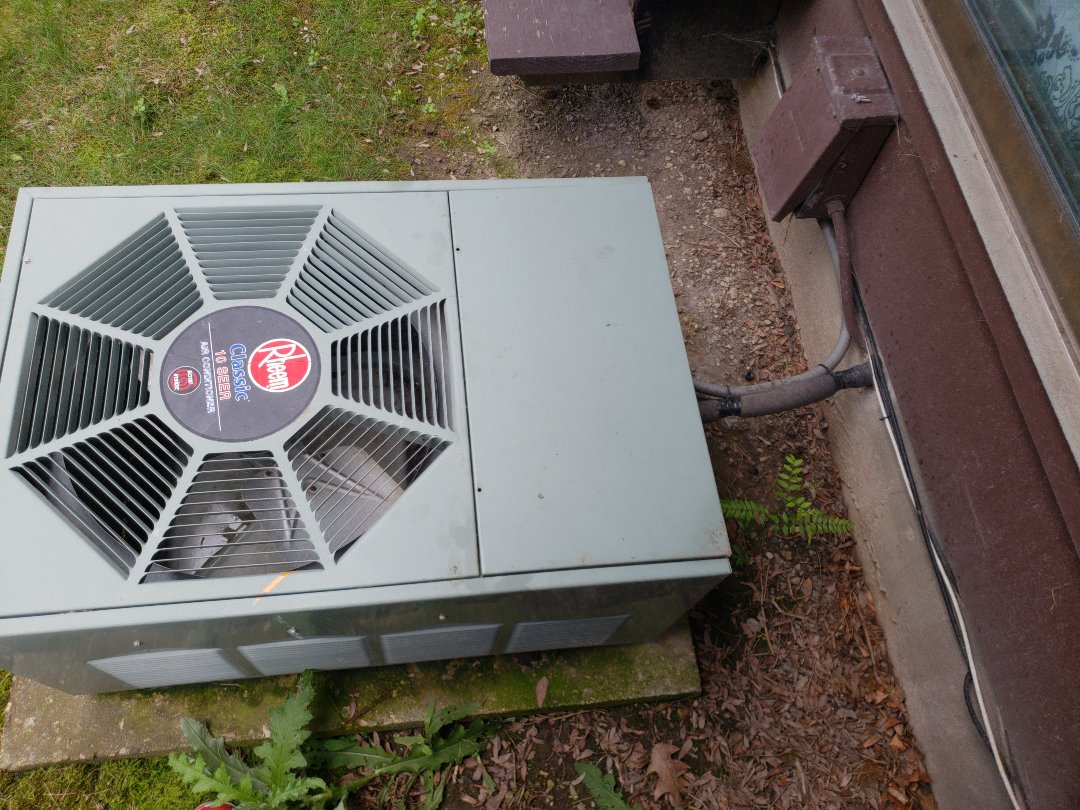 Milwaukee, WI - Ac estimate on old rheem air conditioner