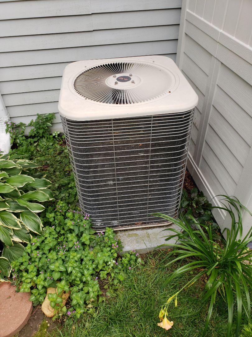 Oconomowoc, WI - Estimate to replace Lennox Air Conditioner