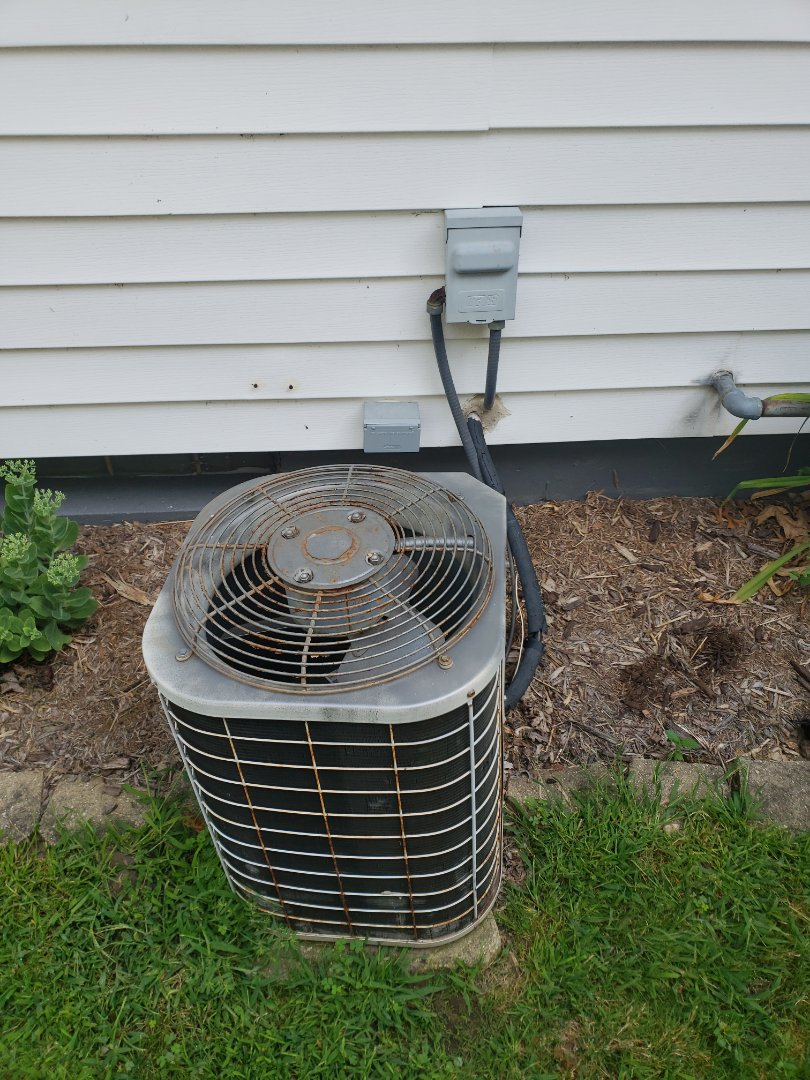 Oconomowoc, WI - Estimate to replace old Lennox air conditioner