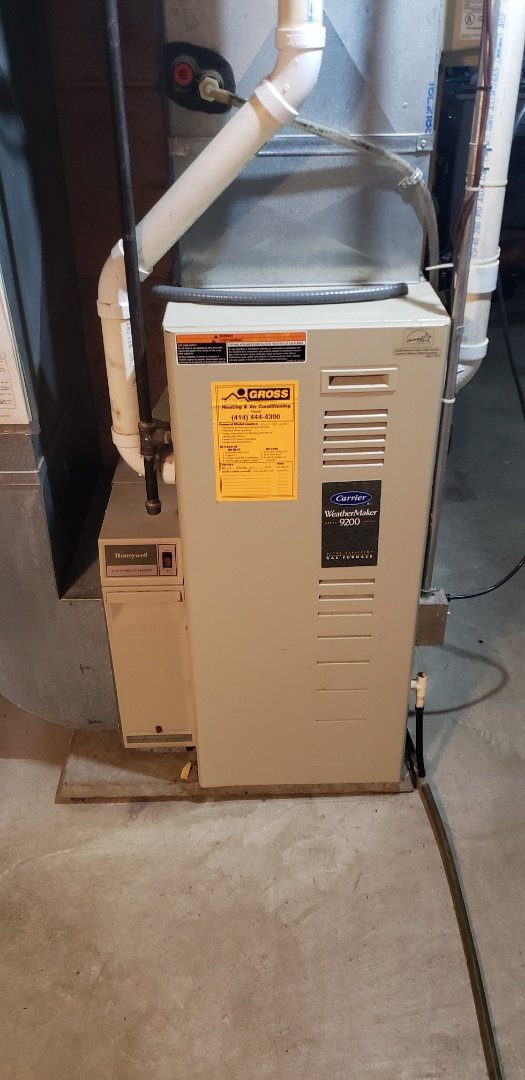 Menomonee Falls, WI - Estimate to replace carrier furnace. New American standard high efficient gas furnace