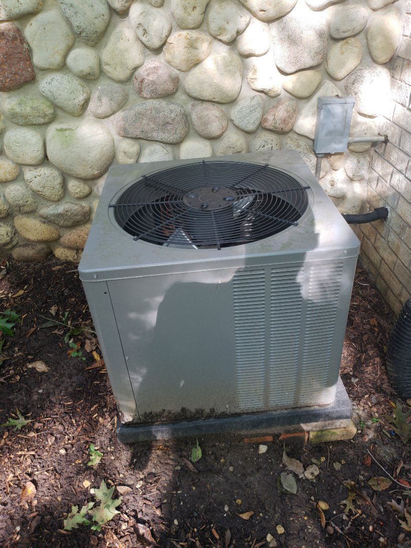 Hartland, WI - Install new American standard air conditioner. Replace rheem ac