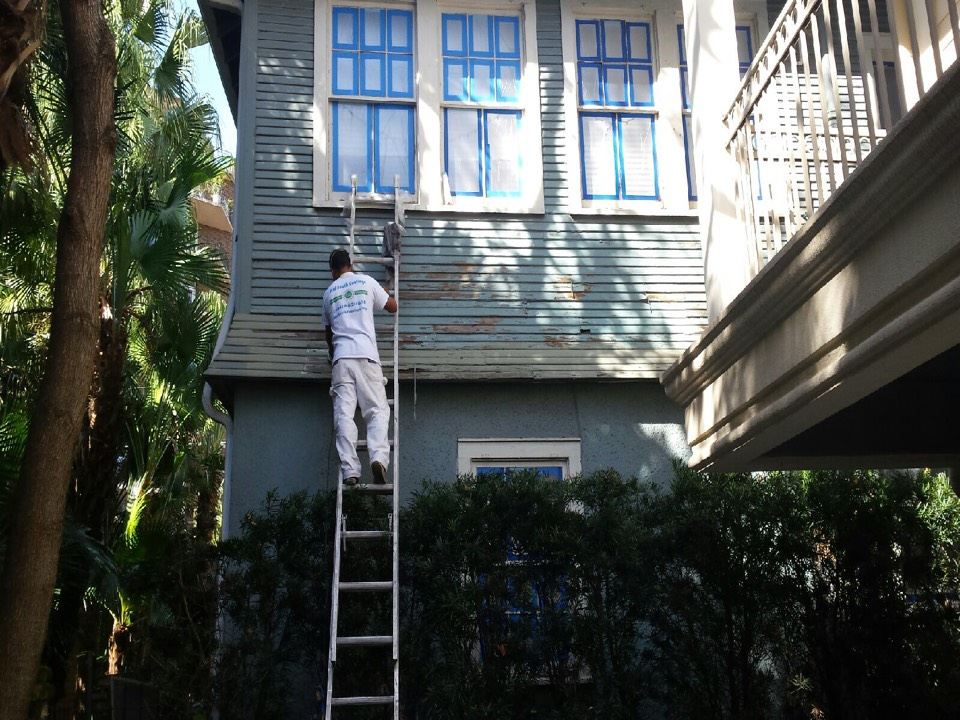 Metairie, LA - Midsouth is prepping the condo before we apply our classic primer