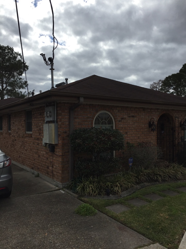 Metairie, LA - Giving 2 bids today...one for coating brick and the other for soffits and fascia
