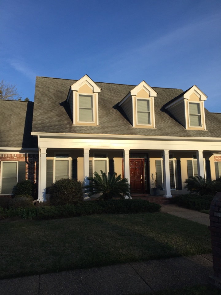 Gulfport, MS - Coating system for a home that has stucco, hardy, aluminum, and wood