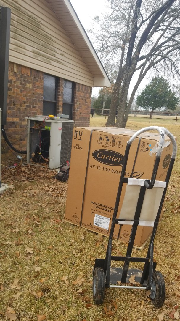Kaufman, TX - Changing out older Bryant system, with a new 16 seer carrier.z
