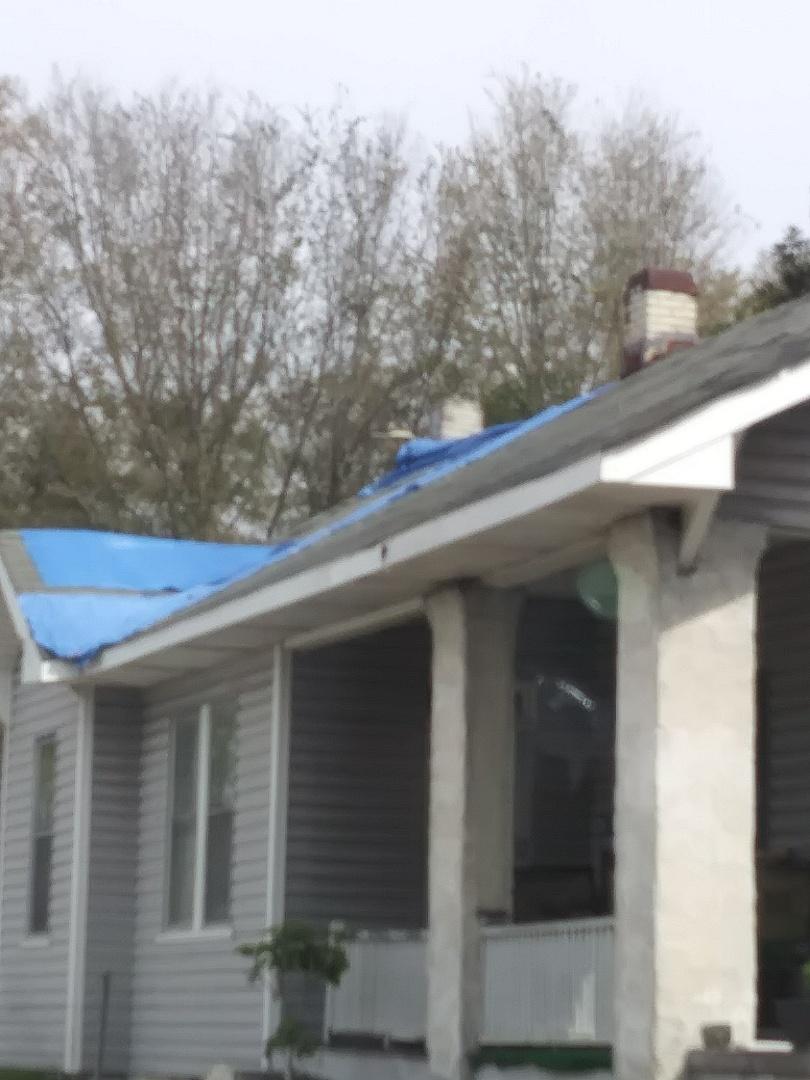 Wilmington, NC - Hurricane roof damage replacement estimate. 30 year asphalt shingles and wood rot repair.