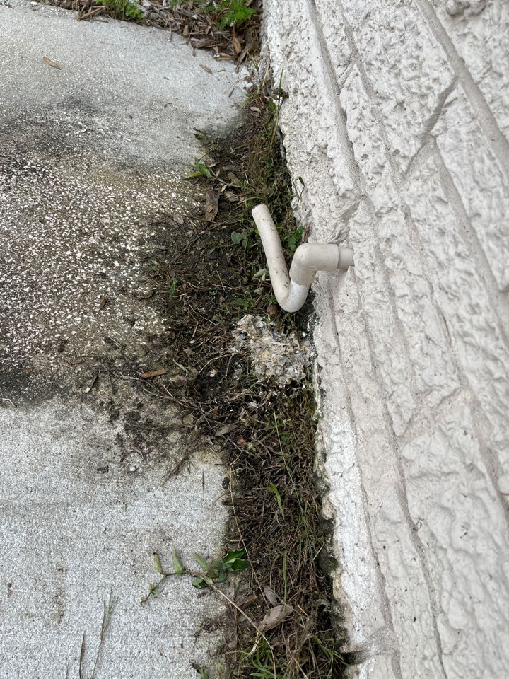 St. Petersburg, FL - Clean drain line on Goodman hvac system