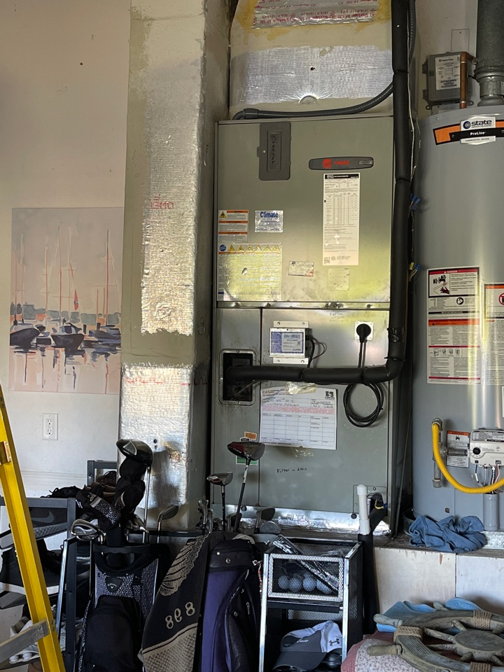 St. Petersburg, FL - Replaced capacitor on Trane unit