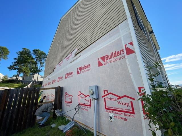 Lexington, SC - Another siding replacement job in Lexington, SC today. This home was hit by hail back in May of 2021.