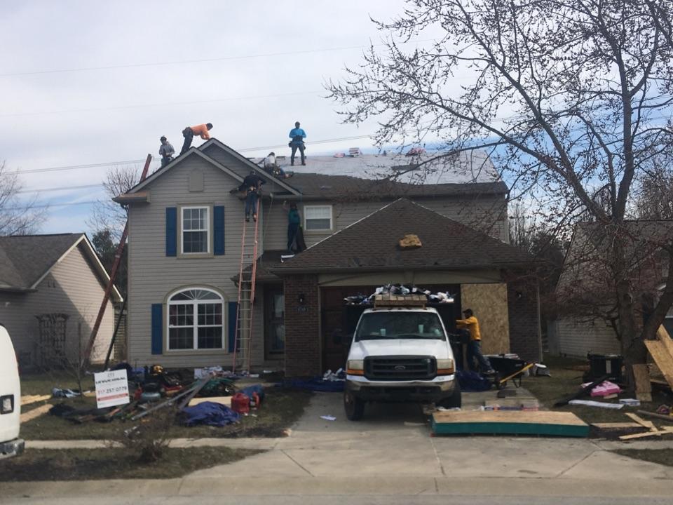 Zionsville, IN - Roof tear off in Zionsville