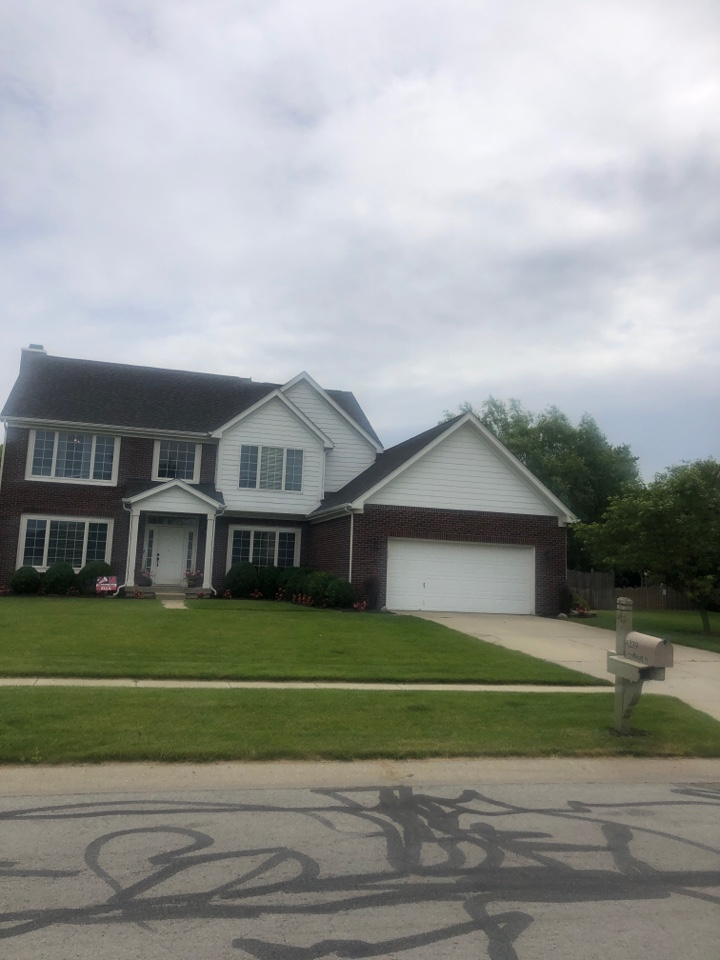 Zionsville, IN - Roofing siding and gutters and paint