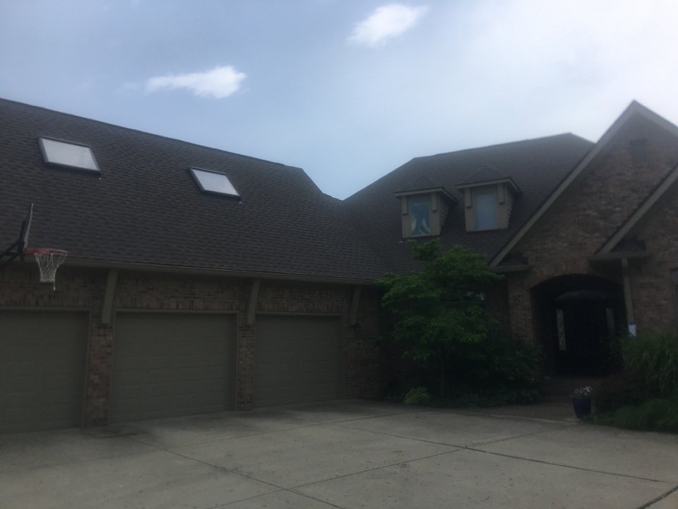 Zionsville, IN - Roof completed